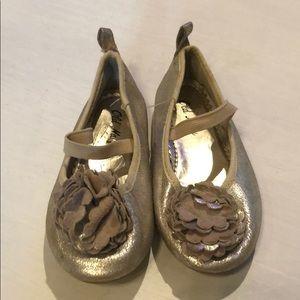 Girls dress shoe